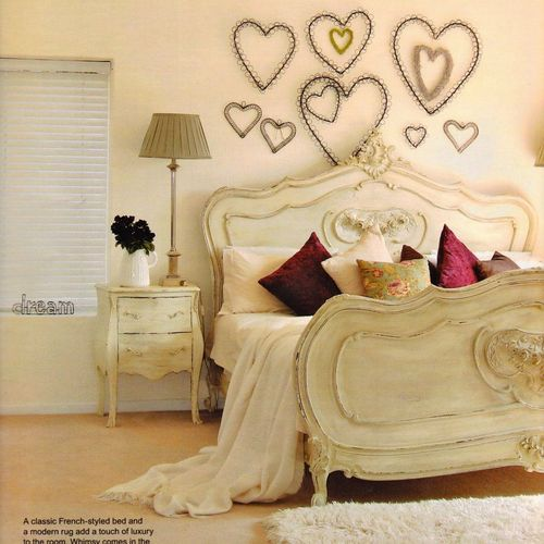 Bedroom-decoration-flower-heart-home-favim.com-325139_large