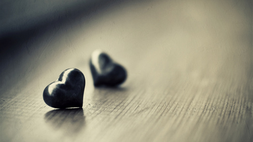 Love-hurts-a-lot-1024x575_large