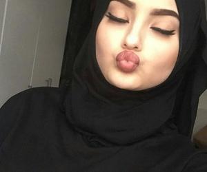 hijab loca