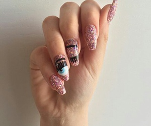 nails chiaraferragni