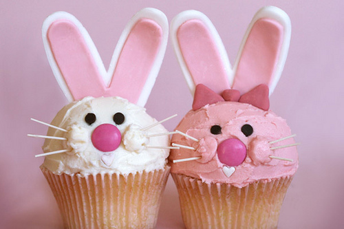 Bakerella-easterbunnies-wit-roze_large