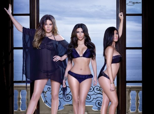 Weekly Roundup: Swimsuits & Desert Beauties ? Kim Kardashian videos, ...