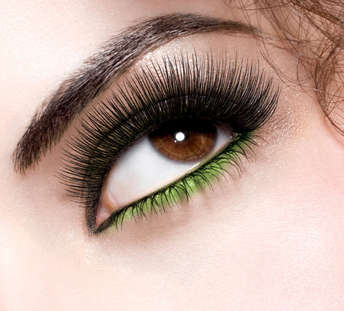 Great-lash-lots-of-lashes_model-shot_080643_large