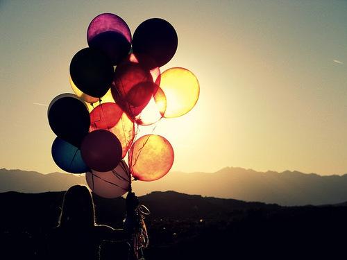Ballons-balloon-cute-girl-love-favim.com-351399_large