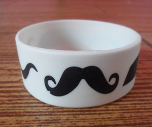 i love mustaches♥