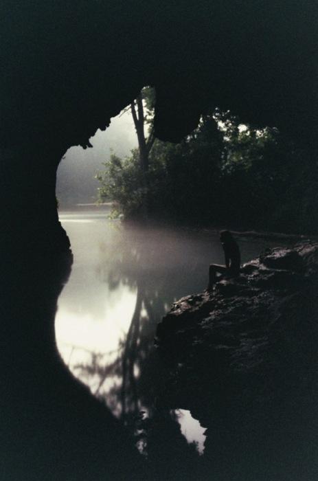 Blur-cave-cavern-fog-foggy-favim.com-353201_large