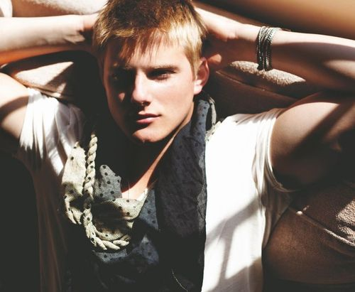 David ( relaciones del Anticristo) Alexander-ludwig-april-may-daman-02_large