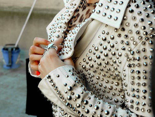 White-stud-147612-500-379_large