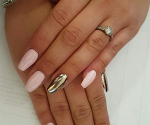 cute nails pink chromatic