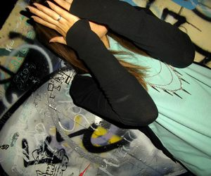 graffiti black blue.