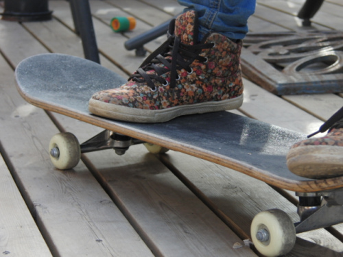Flower-girl-pretty-shoes-skateboard-favim.com-357167_large