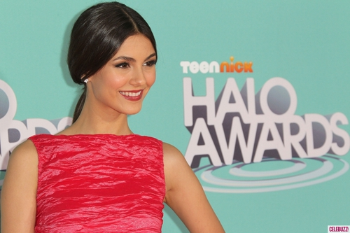 Victoria-justice-at-the-halo-awards-9-1024x682_large