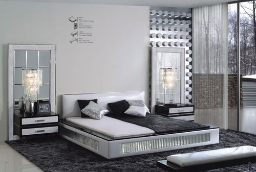 Light-blue-and-silver-bedroom-decoration_large