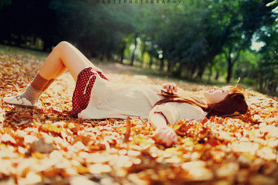 Girl_happy_relax_sun_vintage_good-70572d2c93b9aca62576c1b356003b67_h_large