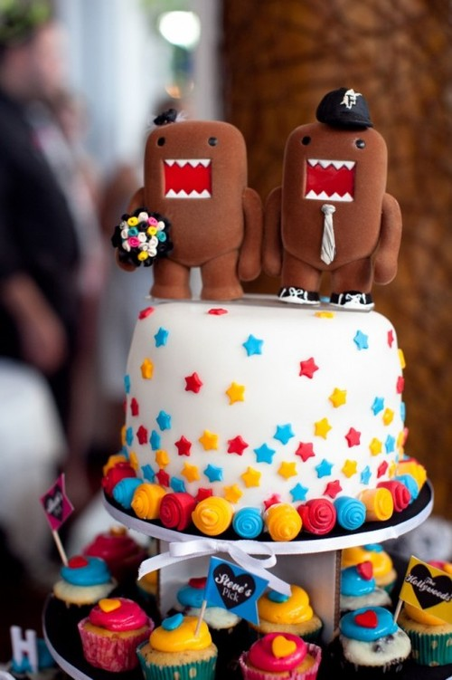 Domo-wedding-cake-244076-530-796_large