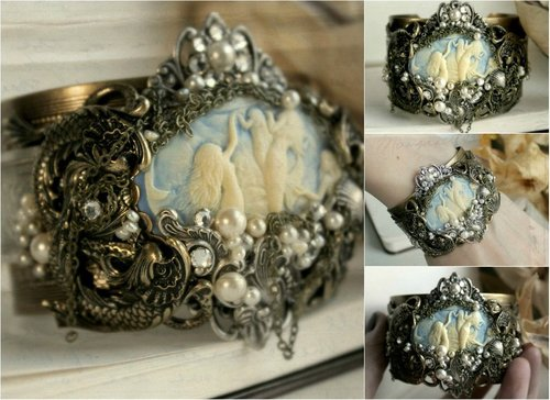 Mermaid_cuff_by_harlequinromantics-d4fq3vz_large