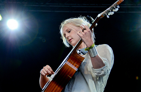 Laura_marling_png_large