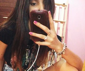 instagram.com /_melialba