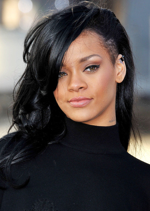 1333374441_rihanna-hr_large