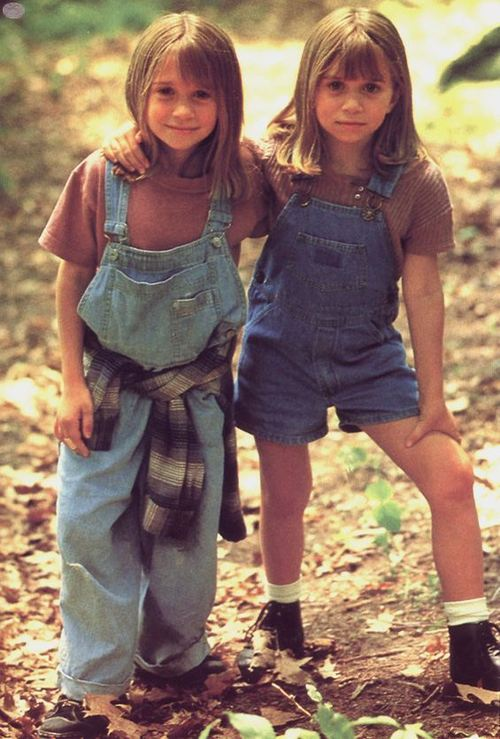 Resultados da Pesquisa de imagens do Google para http://images4.fanpop.com/image/photos/18100000/1995-It-Takes-Two-ashley-and-mary-kate-olsen-18186442-565-835.jpg