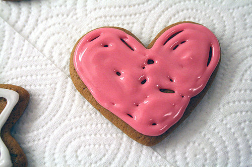 Cupcakes-cute-food-heart-love-favim.com-400265_large