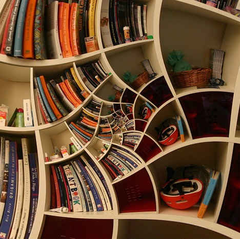 Impossible-spiral-bookcase-design_large