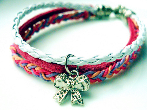 Bowknot_20knit_20bracelets-f59217_large