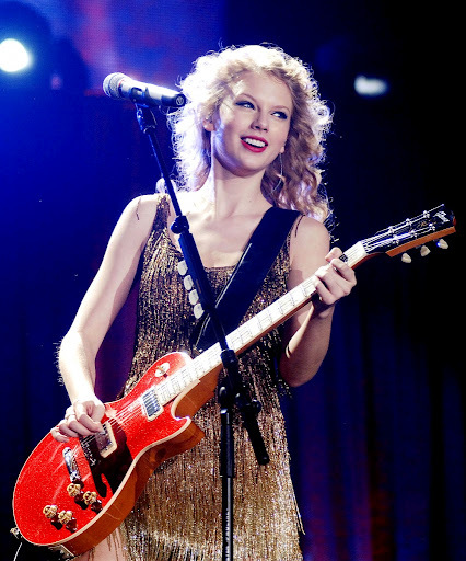 Taylor-swift-guitar-red_large