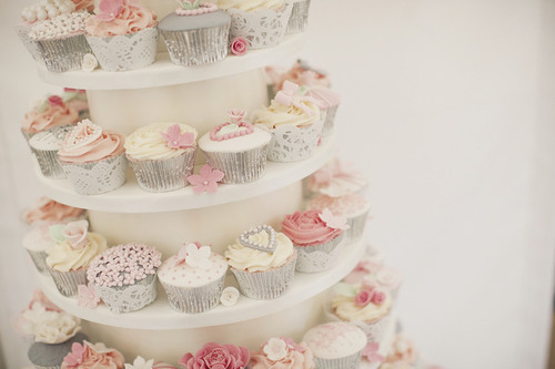 Cupcake-cute-flowers-food-pink-favim.com-400329_large