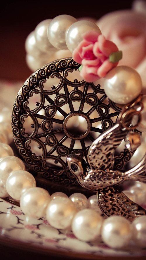 Pearl_time_by_oksibrilliant-d4ohpzy_large