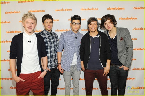 One-direction-hollywood-heights-01_large