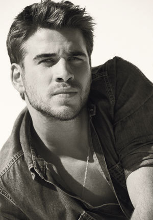 Liam_hemsworth_varticle_intro_large