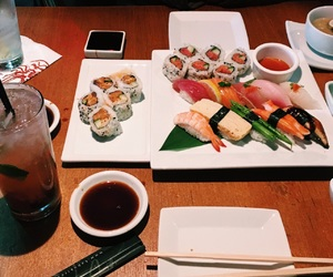 sushi mojito yummy food