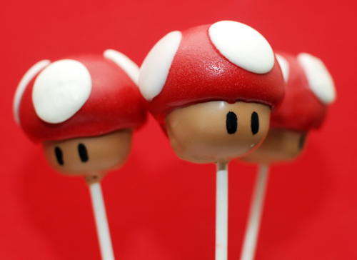 Super_mario_mushroom_cake_pops_by_keriwgd-d32sa5f_large