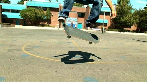 How-to-do-a-kickflip-on-a-skateboard.wideplayer_large