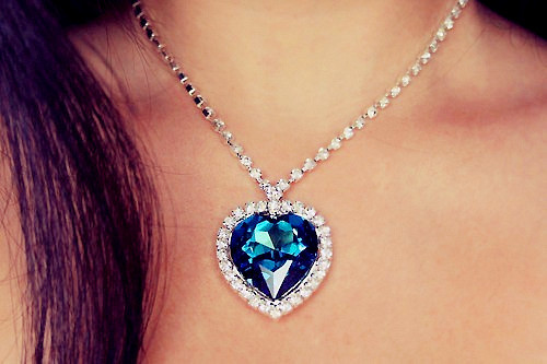 Blue_20crystal_20heart_20necklace-f22824_large