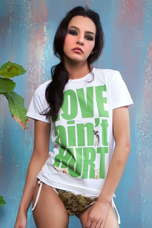 27154 0 large Love aint Hurt   Puppy, Womens Crew Tee   Awesome T Shirts at Rumplo