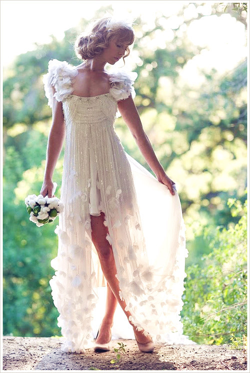 Gorgeous_20wedding_20dress-f25655_large