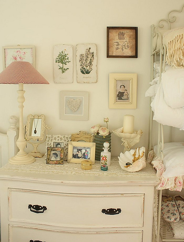 Vintage Bedroom Design Inspiration | Shelterness Vintage Decorating Ideas  For Bedrooms | Smarts Living | We Heart It ...