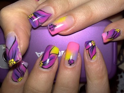 Lilac-nail-art-ideas-4_large