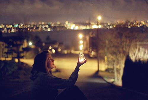 Alone-cute-girl-light-lights-favim.com-411929_large