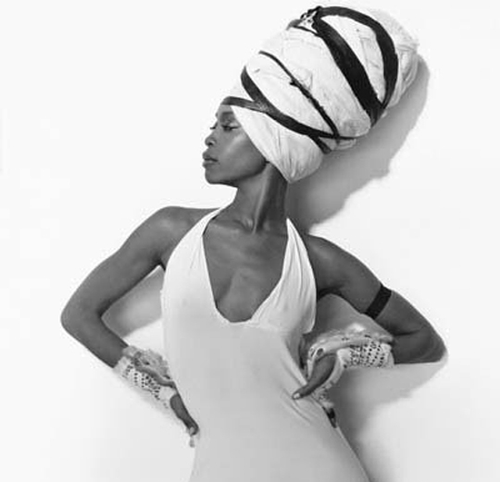 Erykah_badu__white_large