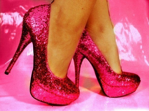 Cute-heels-pink-shoes-sparkly-favim.com-360662_large