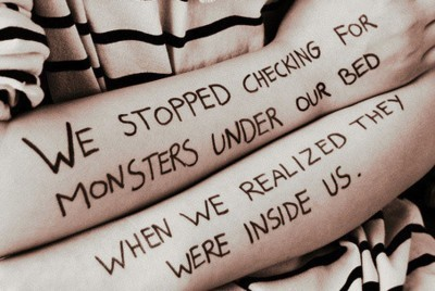 Bed_inside_monsters_truth_under_us-cc7450e33a41c1ef6cb59c63acbc0569_h_large