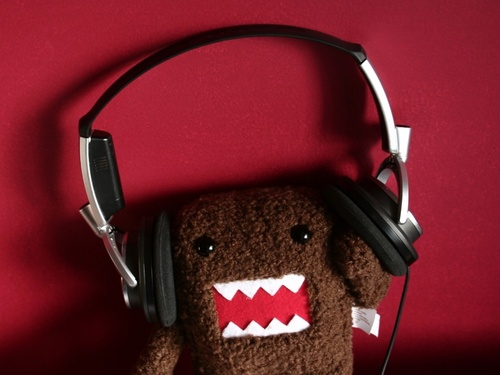 Domo-kun-headphones-1013454_large