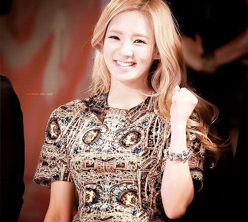 kai dating hyoyeon Hyoyeon is our dancing queen in girls' generationbut we never really get any news about her frequ.