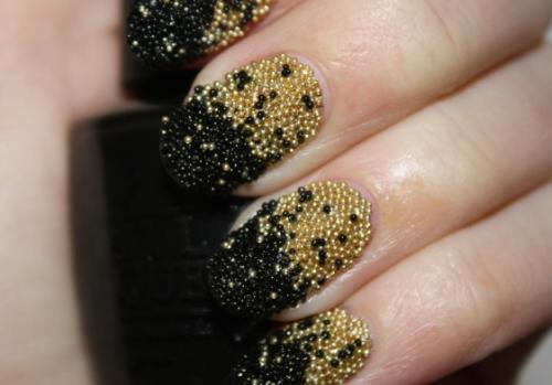 Caviar-manicure-gold-black_large