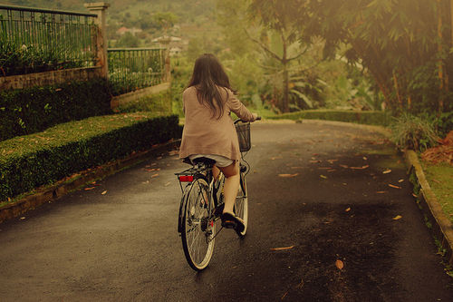 Bike-cute-girl-nature-photography-favim.com-416415_large