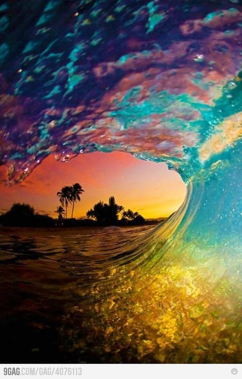 9GAG - Mother Nature Win: Epic sunset wave