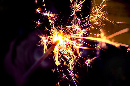 Dark-lights-sparklers-sparks-favim.com-417608_large